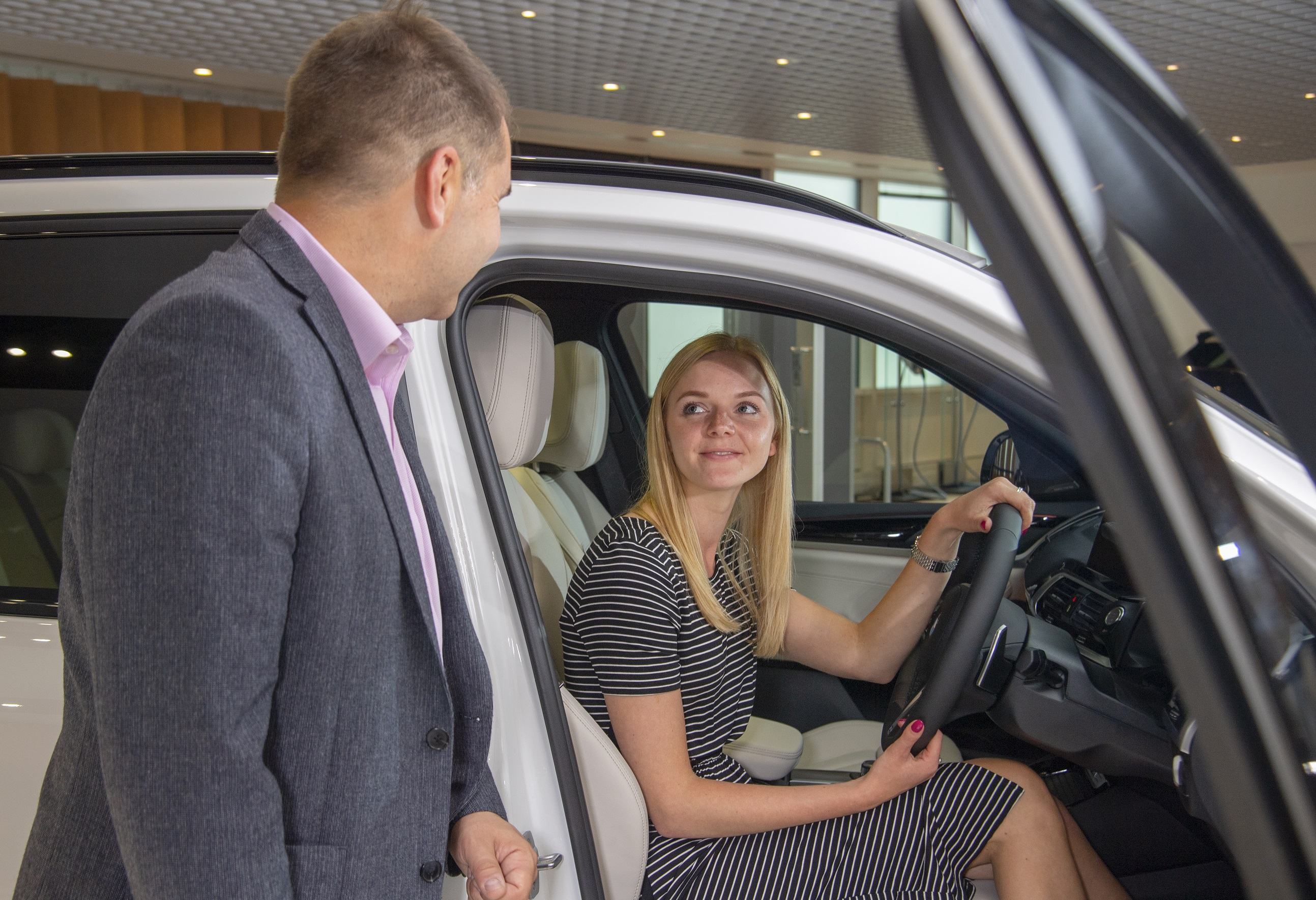 UK automotive industry calls for reopening of showrooms