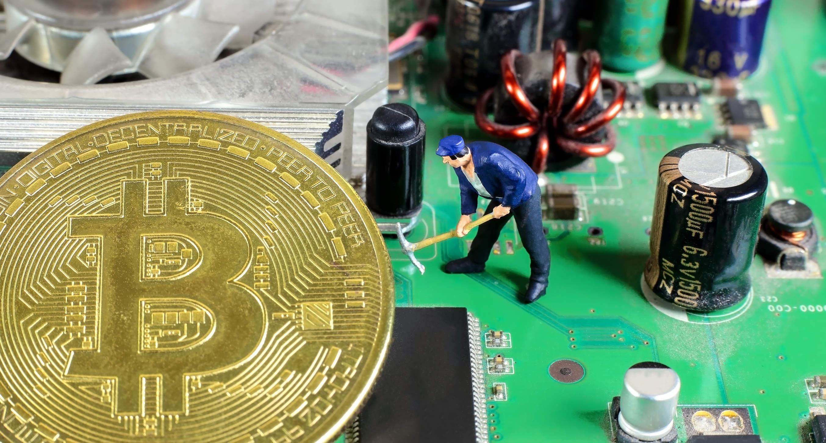 INFOGRAPHIC: Bitcoin's again nearing a record high — here's a brief history of its crashes
