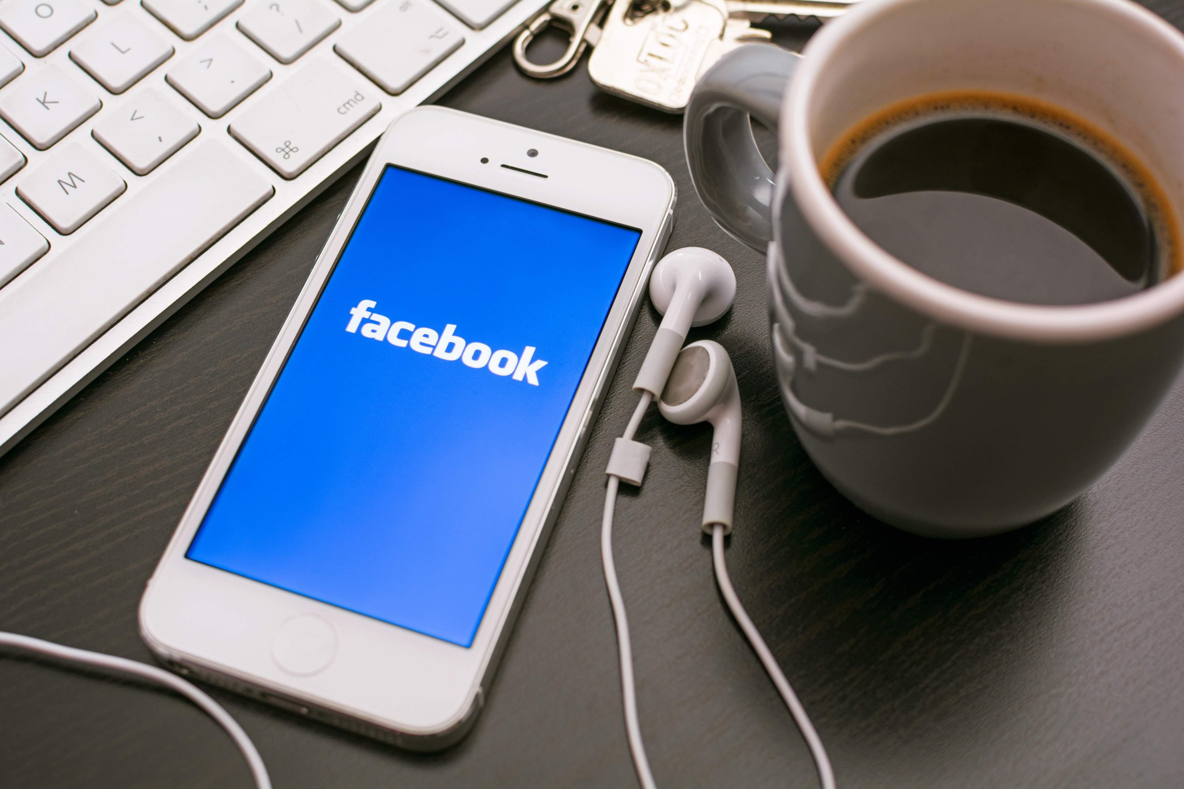 10 ways to spot fake news, according to Facebook
