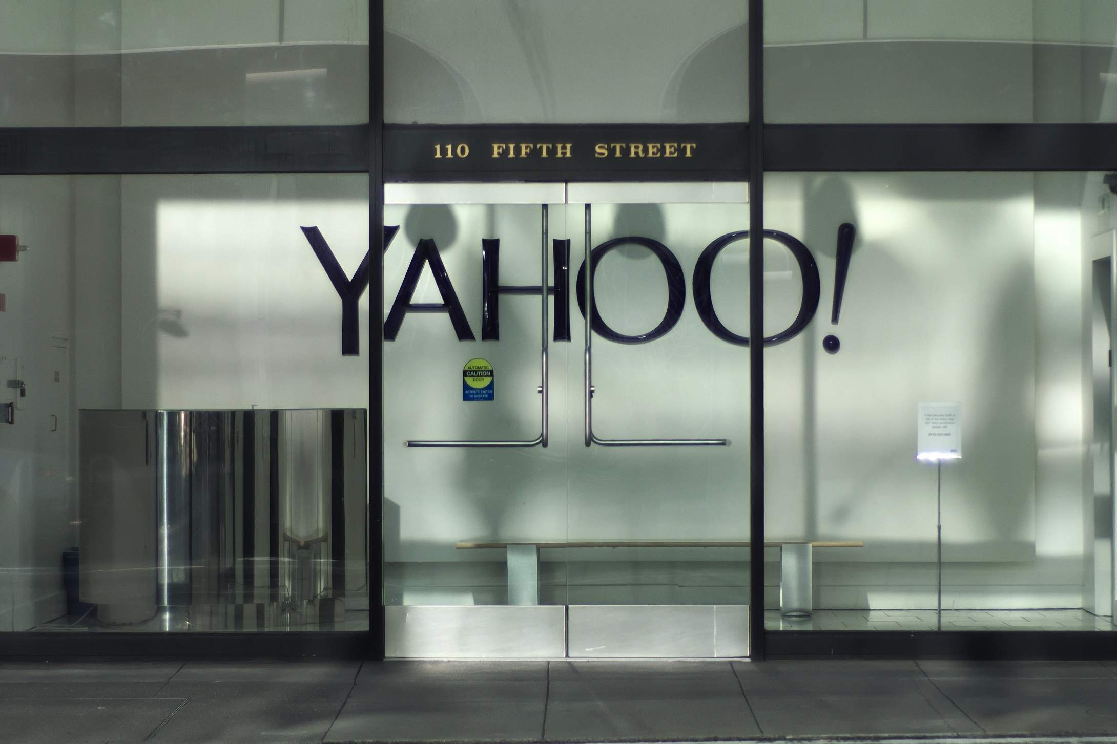 Yahoo-Verizon deal set to go ahead with $250m+ discount