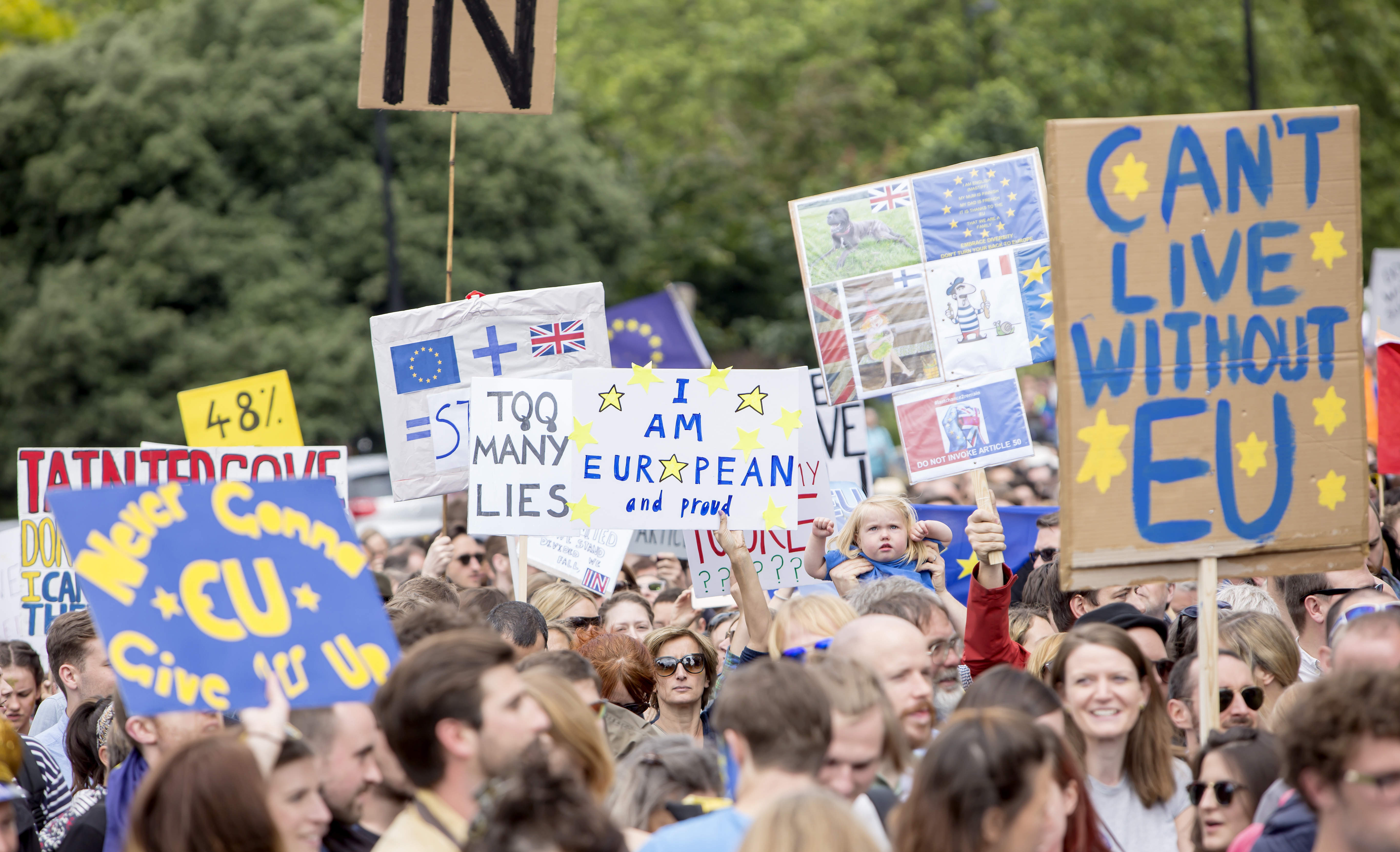 Longread: how many are going to leave the UK due to Brexit?