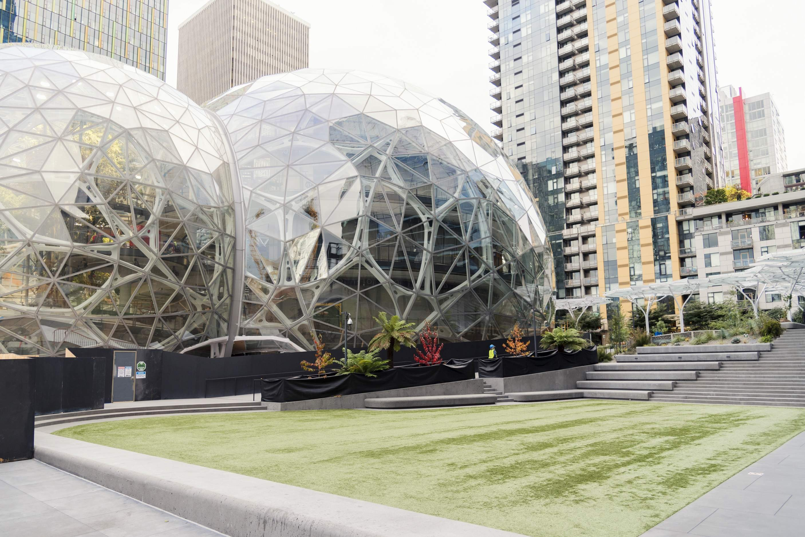 US cities and territories are competing for Amazon's new HQ2. Will their efforts pay off?
