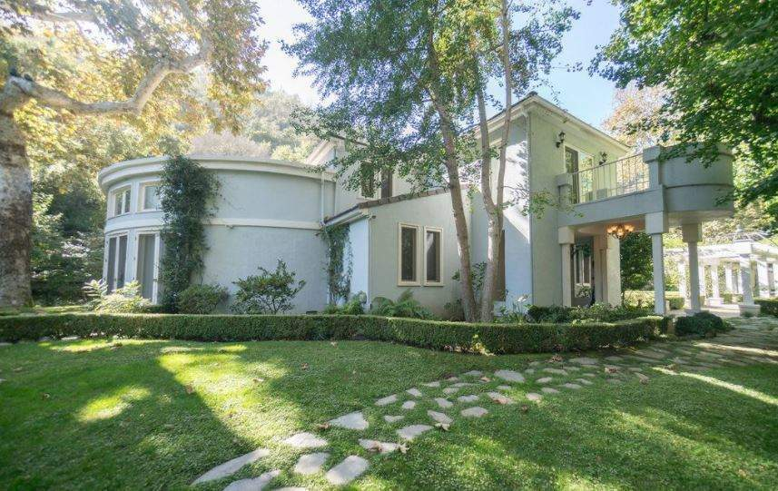 Celebrity homes for sale - Verdict