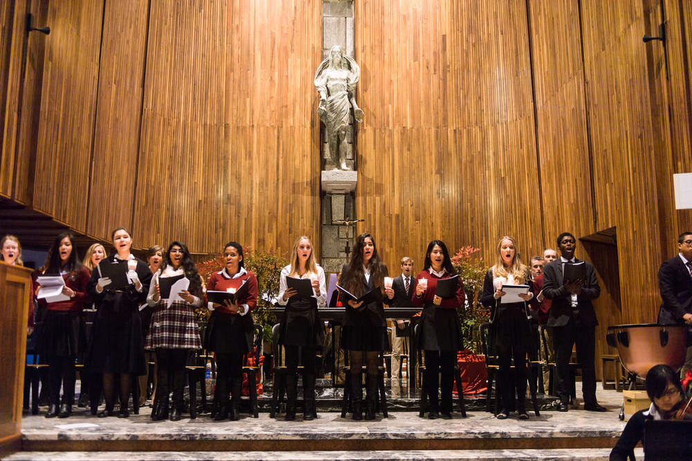 ? Christmas hyrrs: Forget about traditional Christmas hymns this year ???
