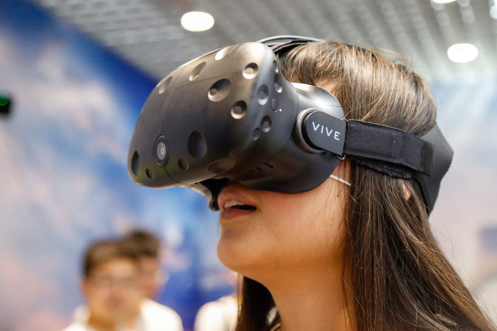 369a3fde152e CES 2018 HTC Vive Pro and other exciting virtual reality ...