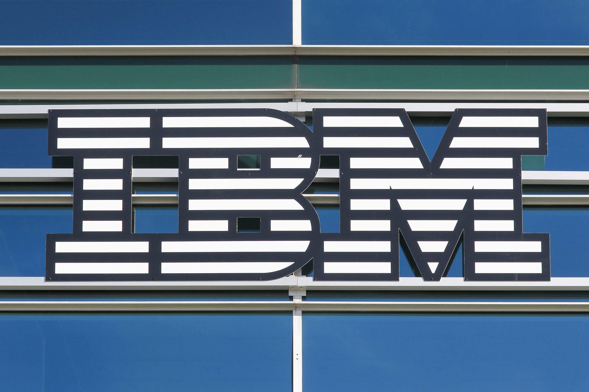 "IBM Red Hat acquisition may be Big Blue's ""best single bet to remain relevant"""