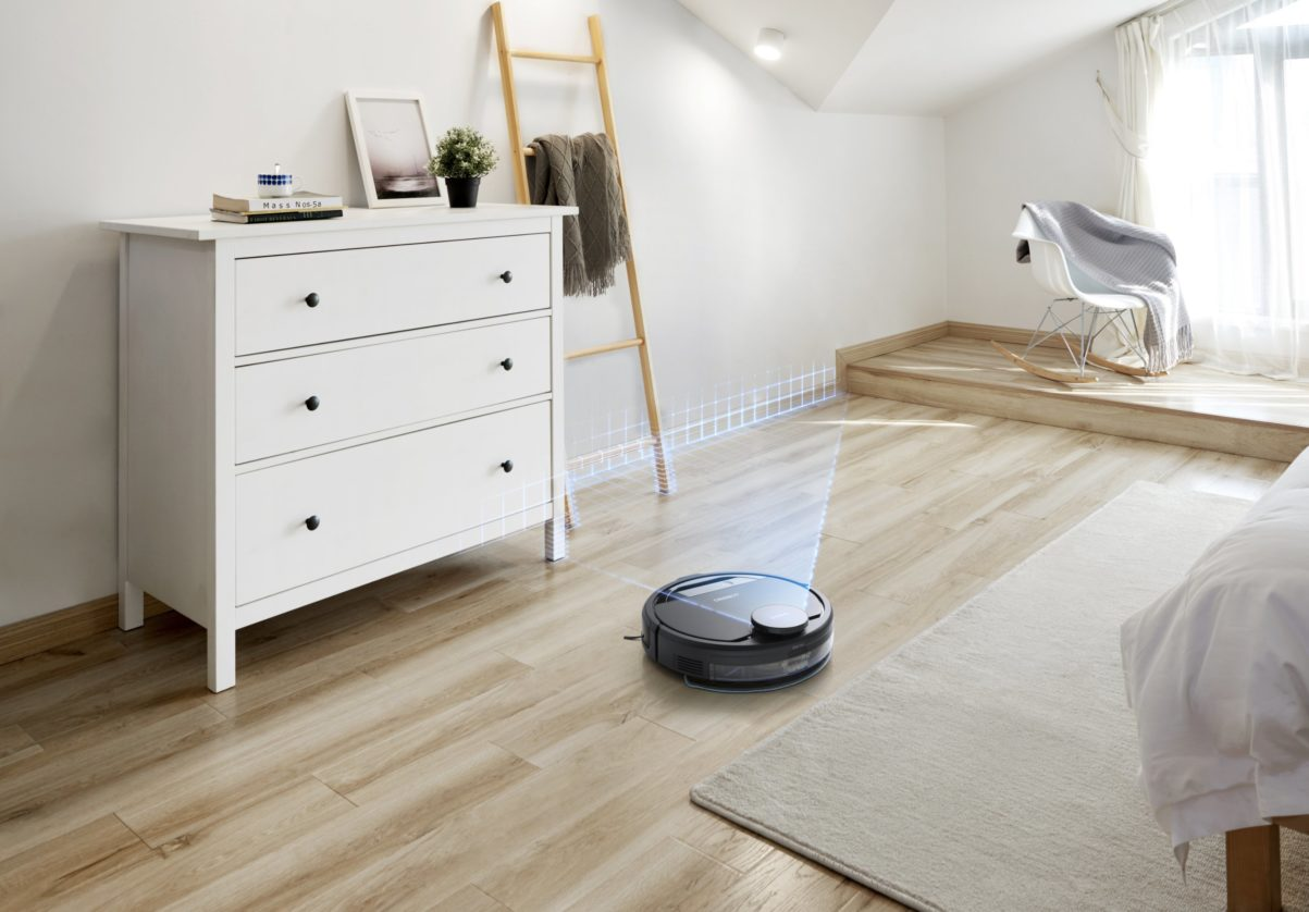 Self-navigating robots make light work of cleaning at home