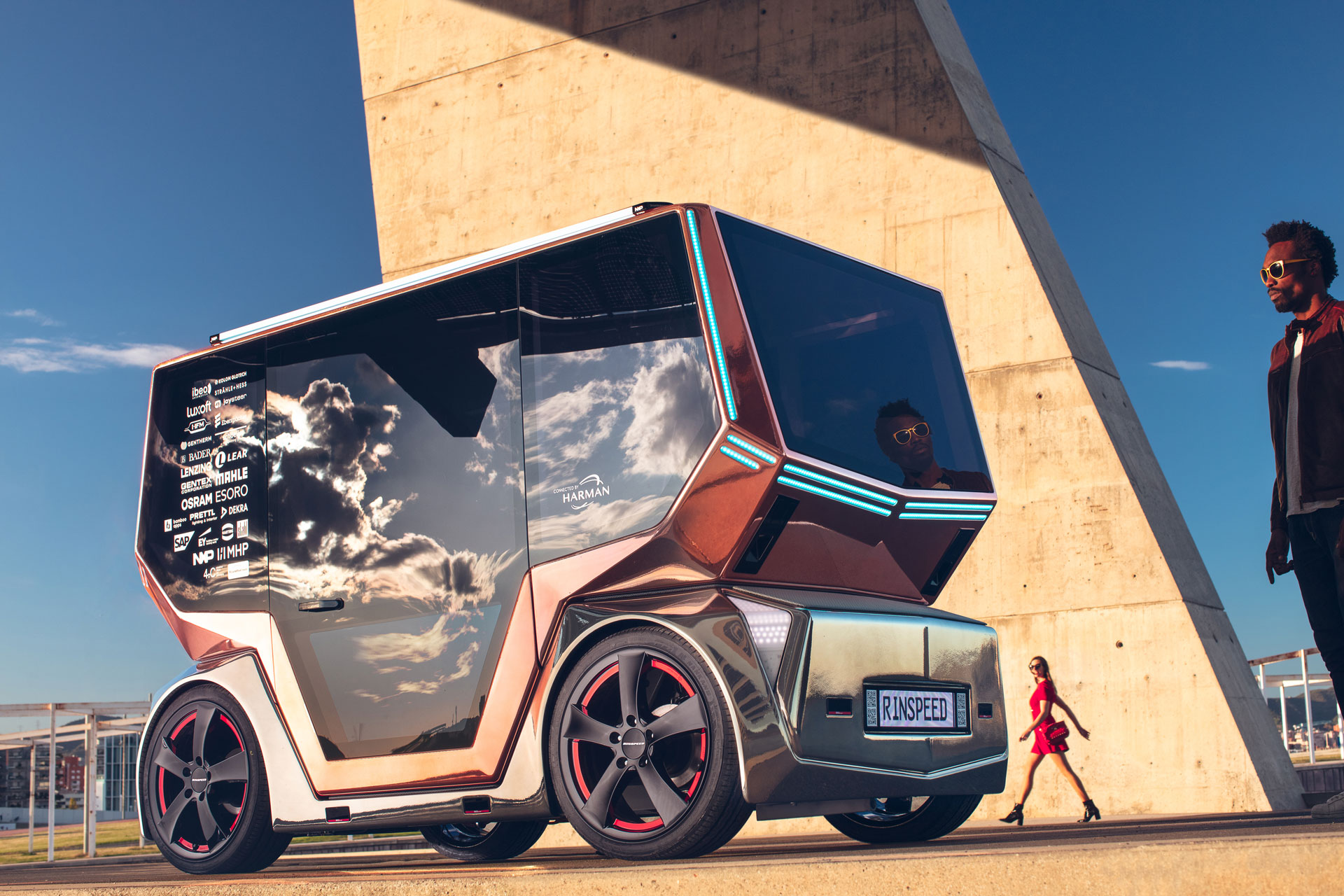 Modular driverless car has swappable bodies for deliveries, taxi services and beyond
