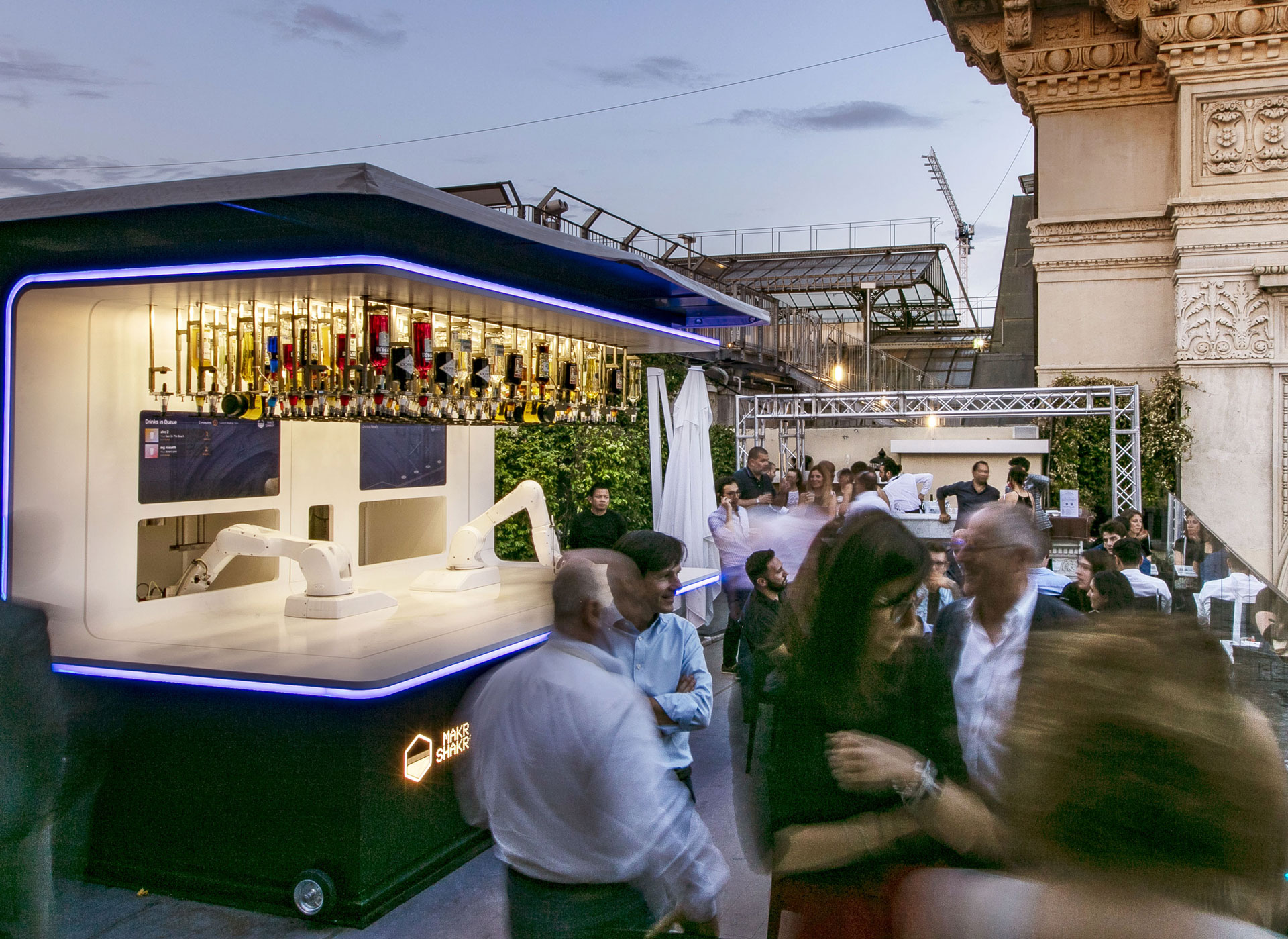 """Robotic bar opens in Milan to """"empower"""" city's drinkers"""