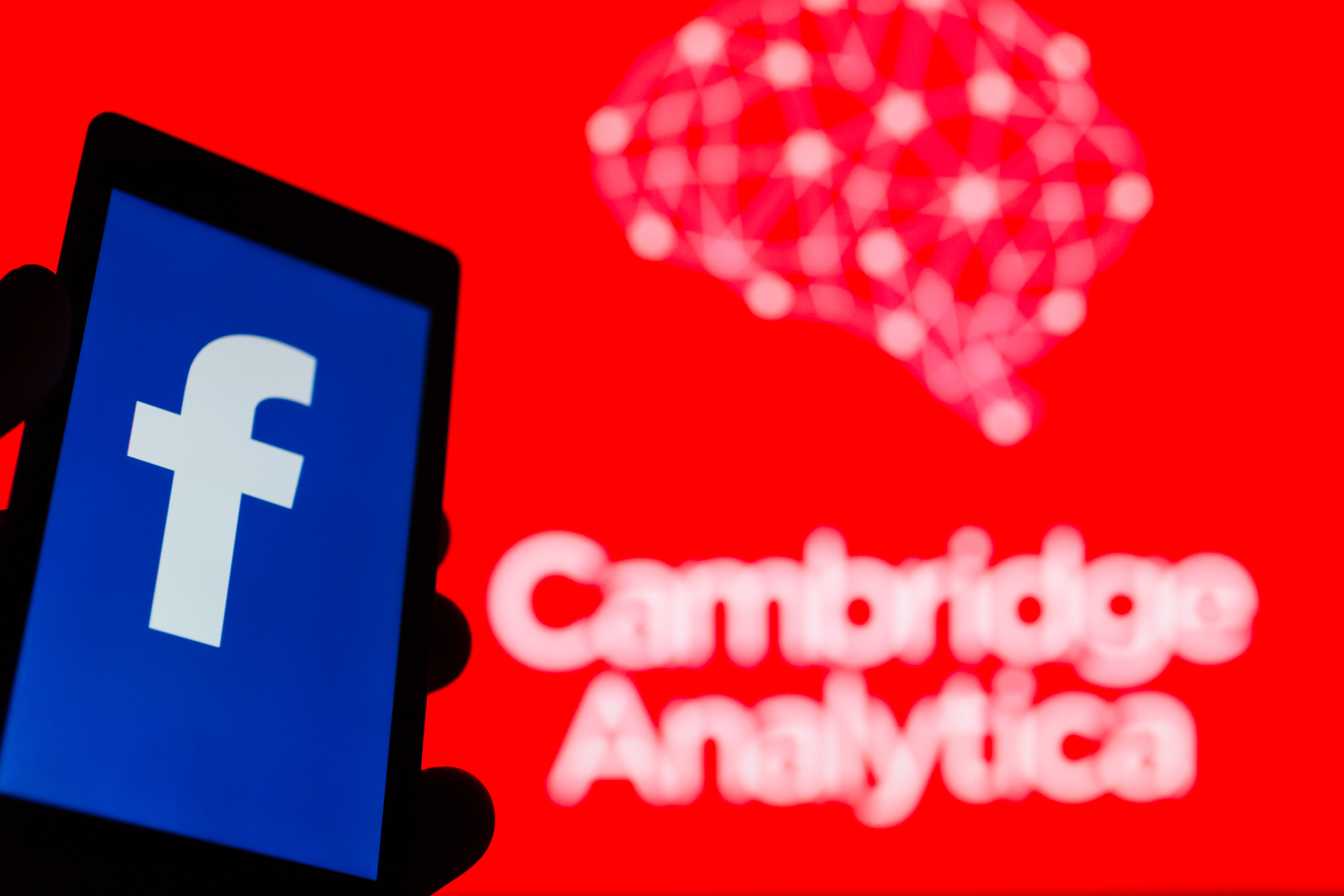 Facebook agrees to pay £500k Cambridge Analytica fine
