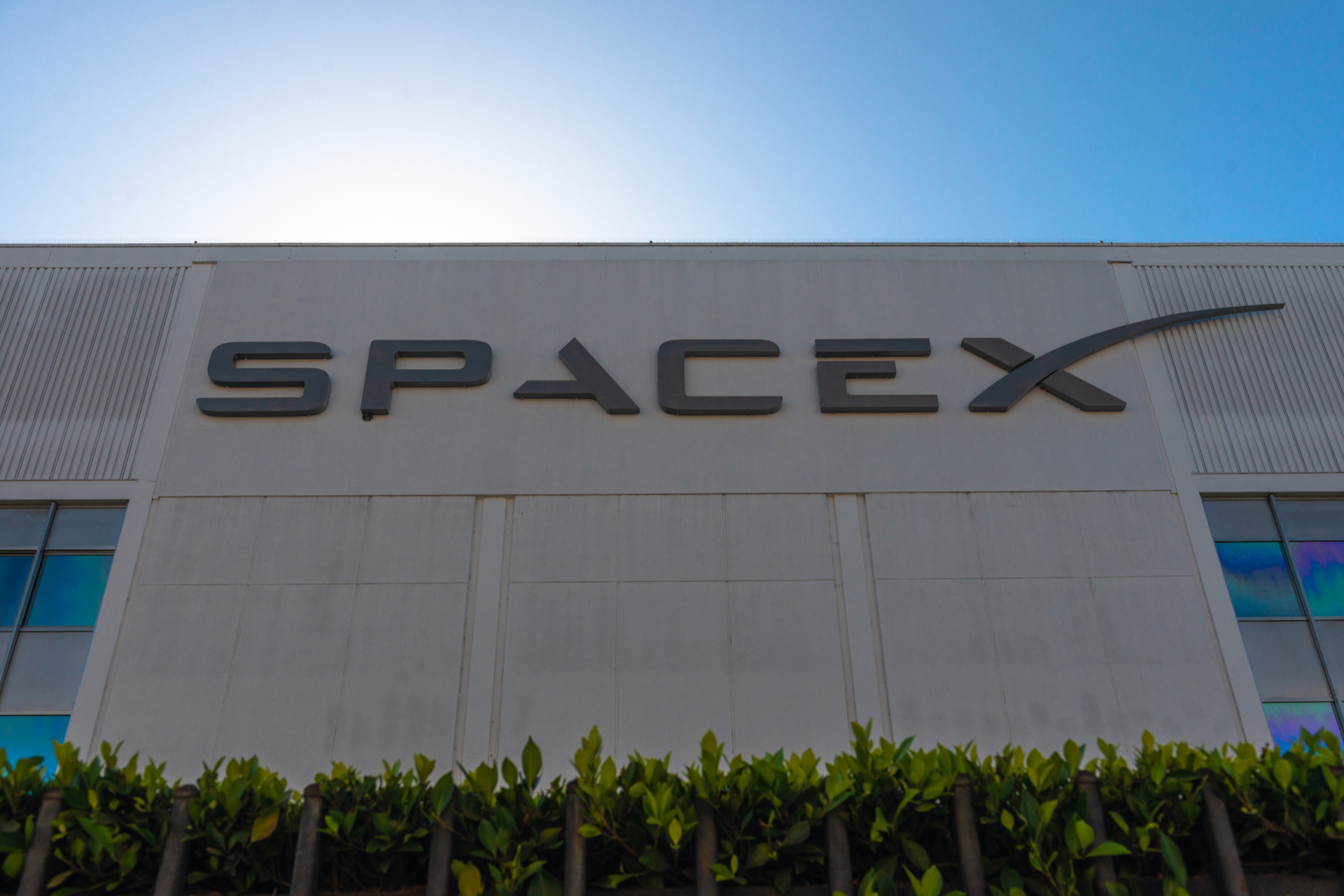 US hosts China for latest round of trade talks / IoD publishes startups survey / NASA Administrator tours SpaceX headquarters