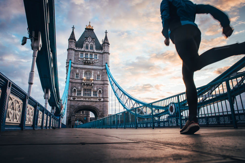 London Marathon uses wearable devices to ensure social distancing