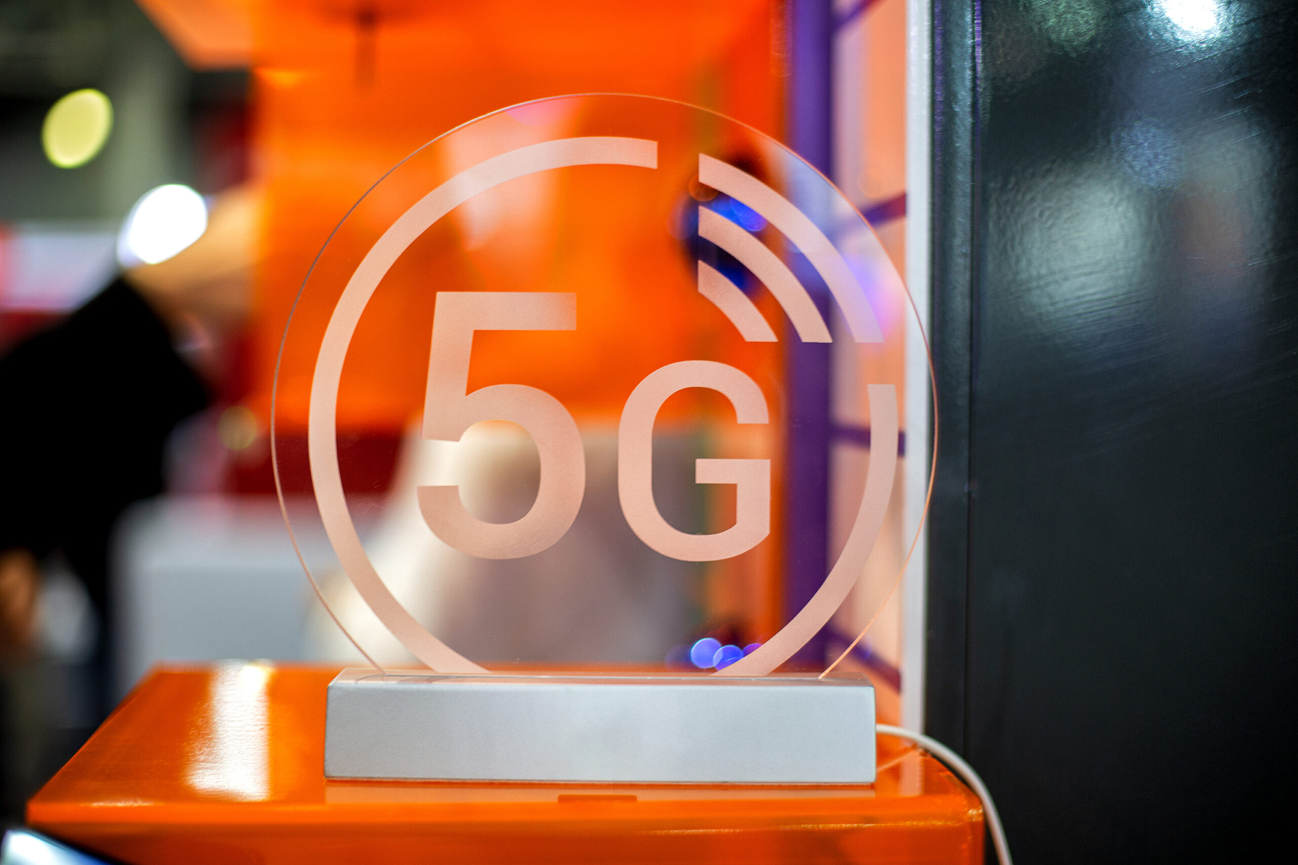 Orange France to launch 5G in December 2020 after September spectrum auction