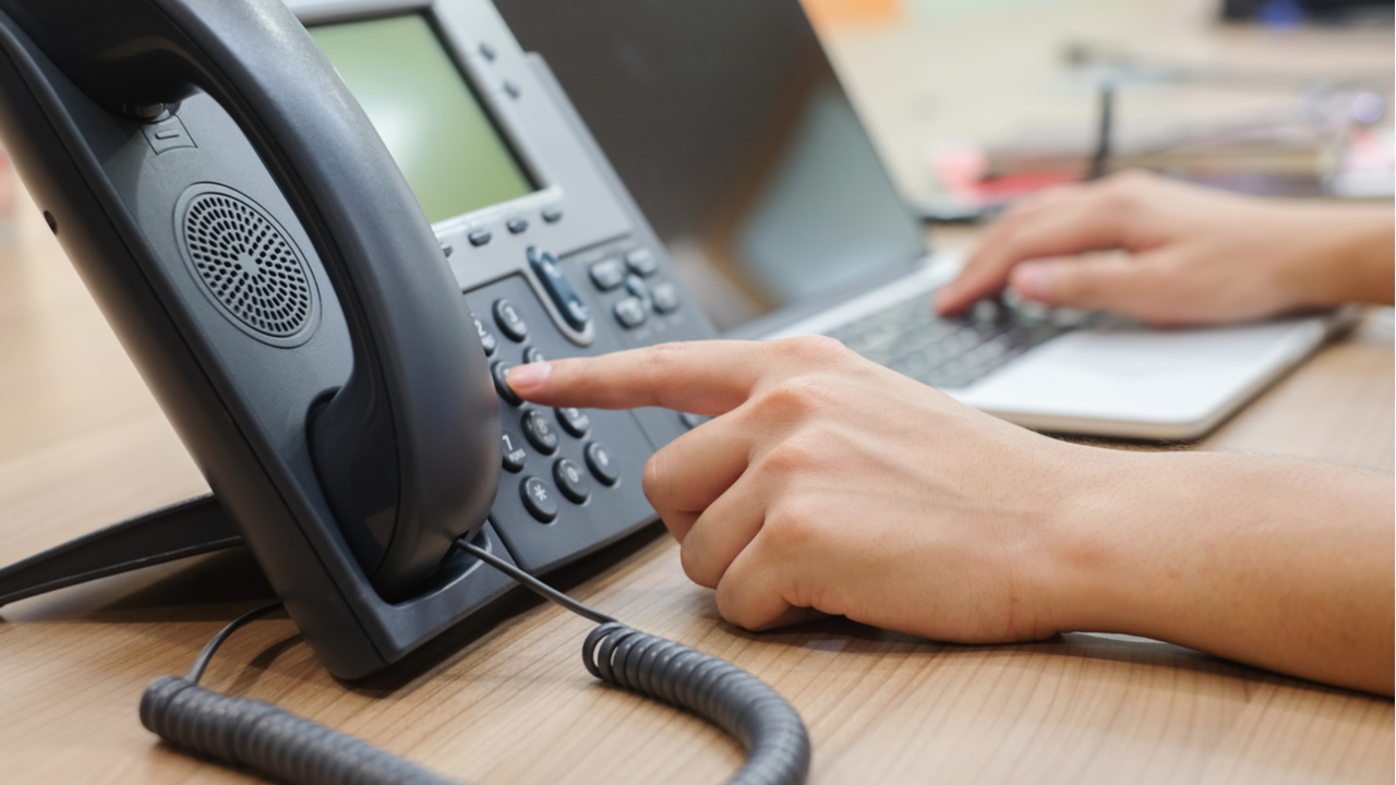 How the desk phone can improve work from home