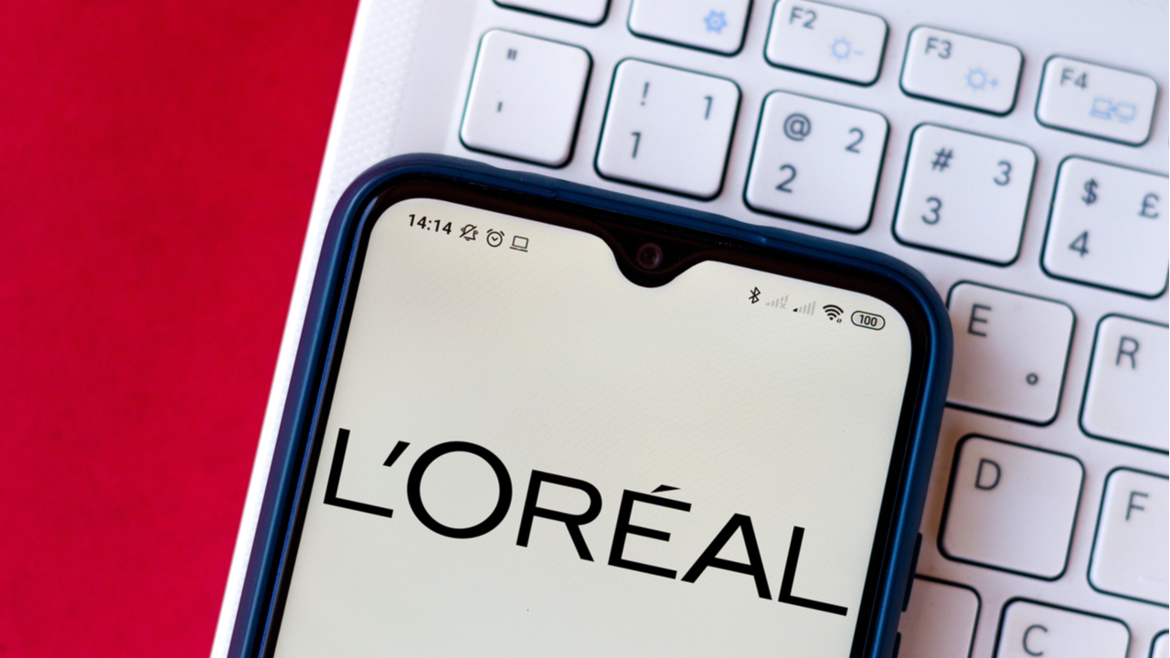 L'Oreal launches world's first digital make-up line