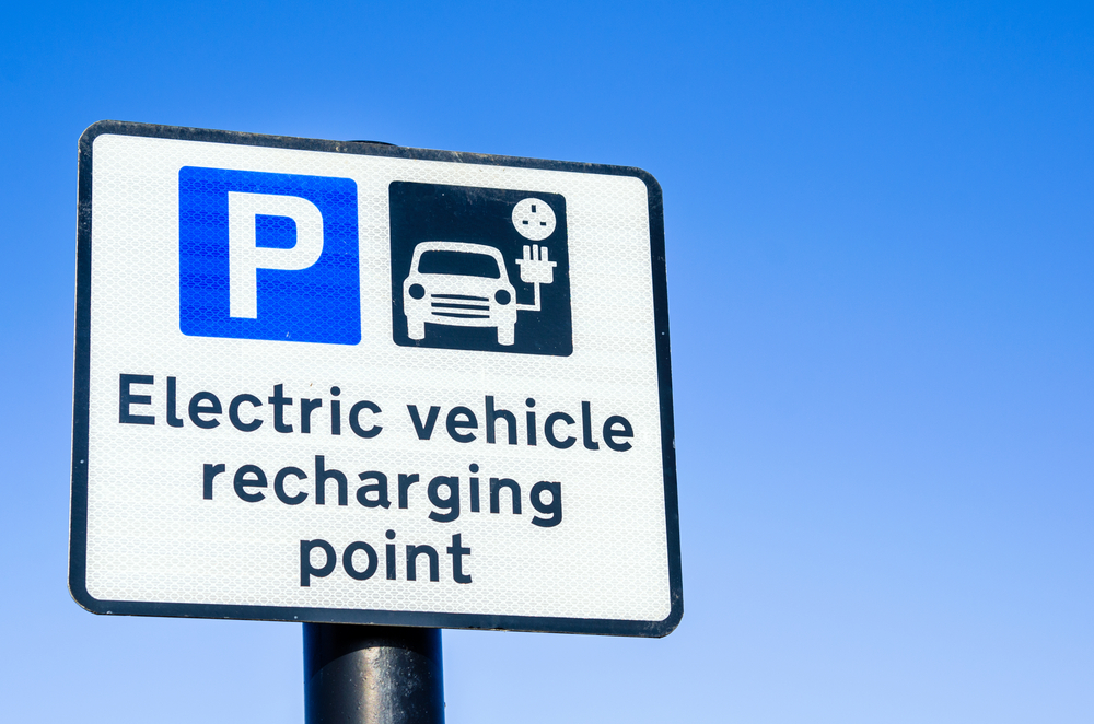 UK government expands electric vehicle charging schemes