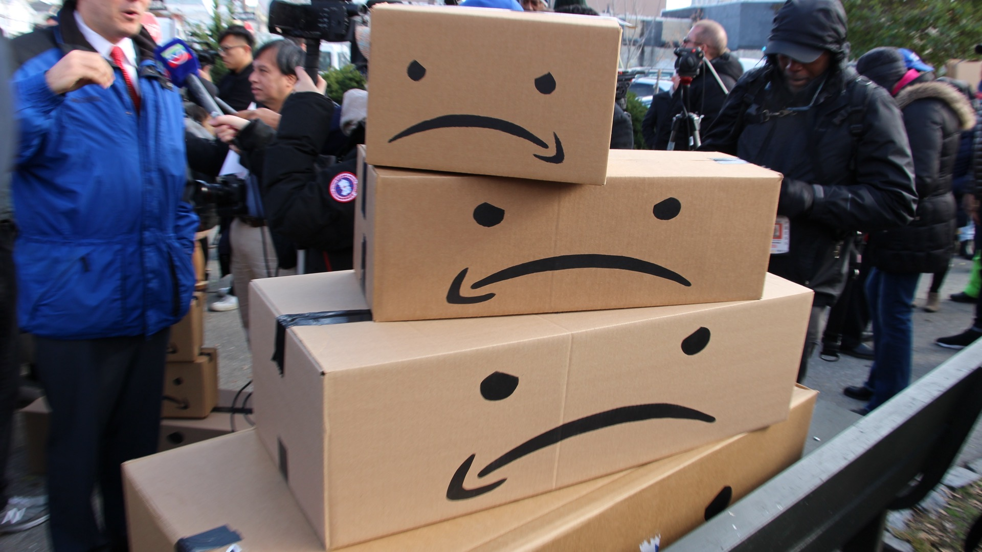 Amazon bosses take short break from counting money to fight unionisation