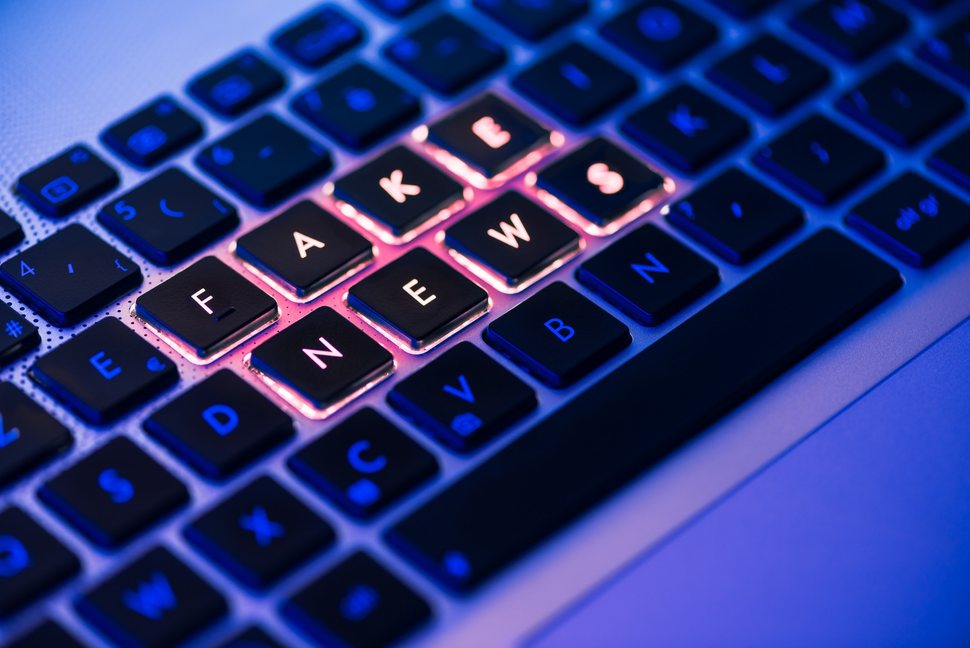 AI still useless against online hate and fake news – report