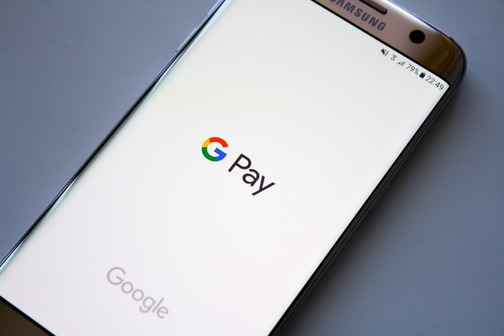 "Google Pay's new cross-border payments ""not great news for companies like Revolut"" – experts"