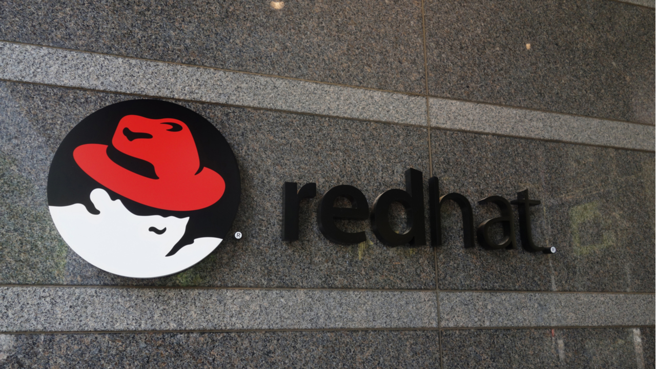 Red Hat throws its integration weight into cloud wars