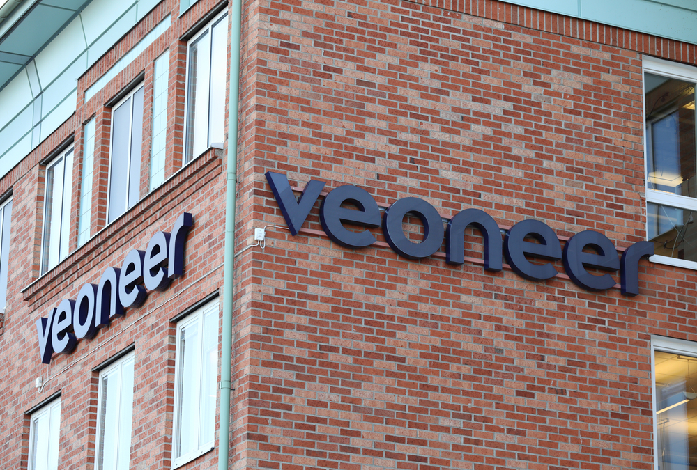 Magna buys Veoneer to boost advanced driver systems