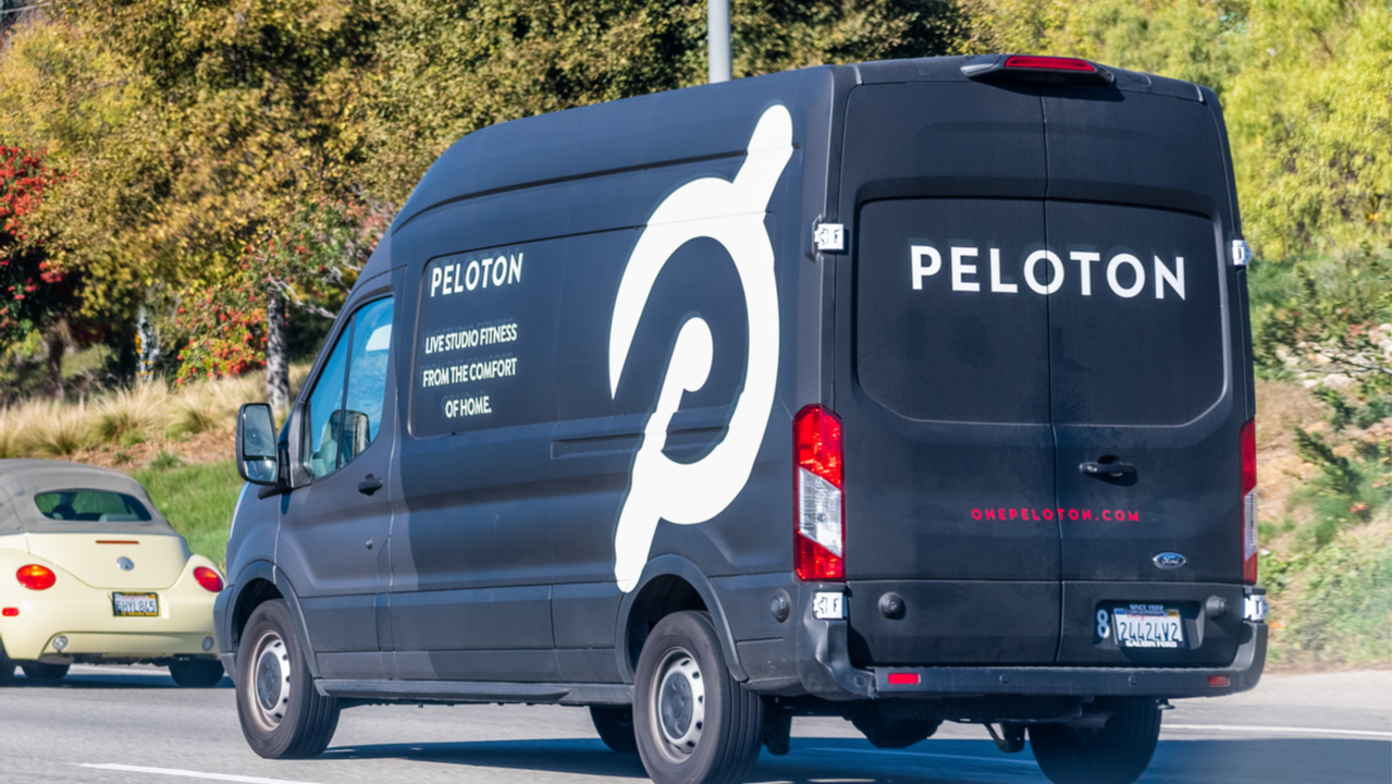 Peloton slashes prices as its performance begins to falter