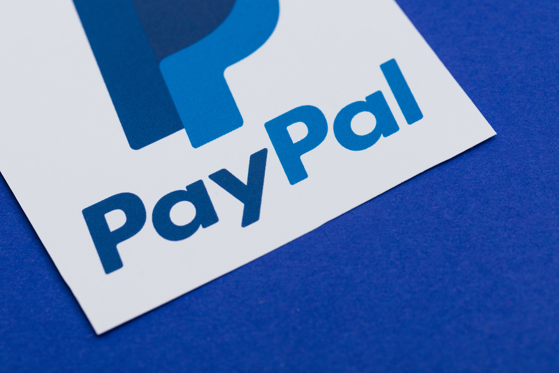 PayPal steals Robinhood's thunder with stock trading feature