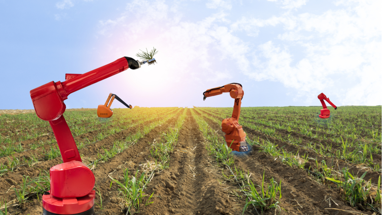 Robot farmers will require 5G, but agriculture is getting smart with IoT