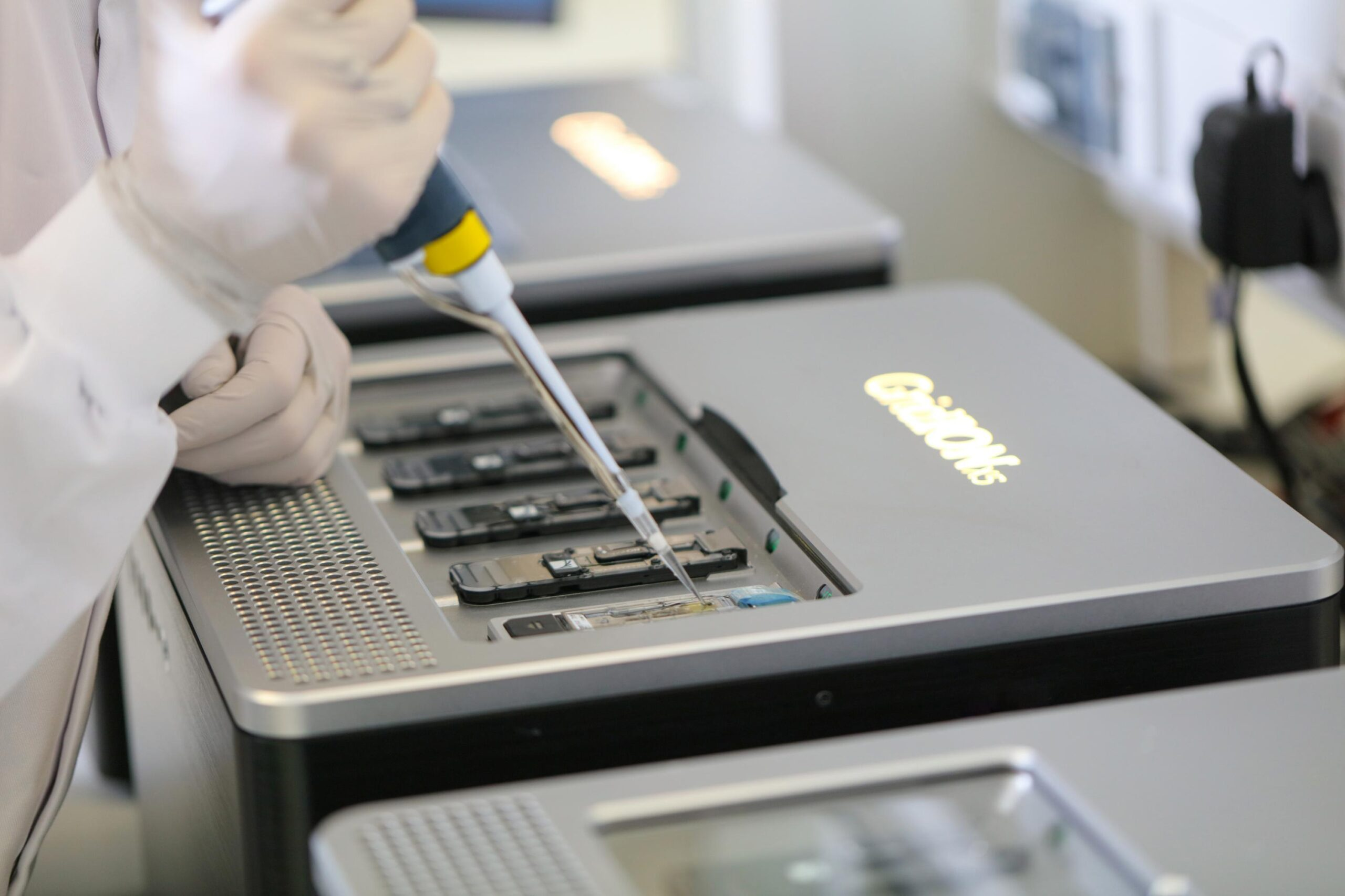 Success in the DNA: Oxford Nanopore surges 40% on London IPO